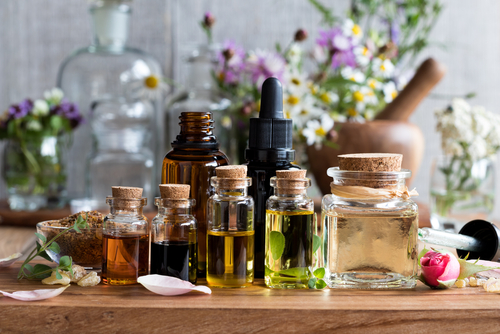 7 Essential Oils for Soothing Persistent Back Pain